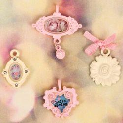 Hello Pastel Metal Vintage Trinkets 4/Pkg, pink and cream